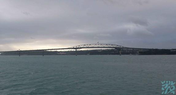 奥克兰海港大桥
