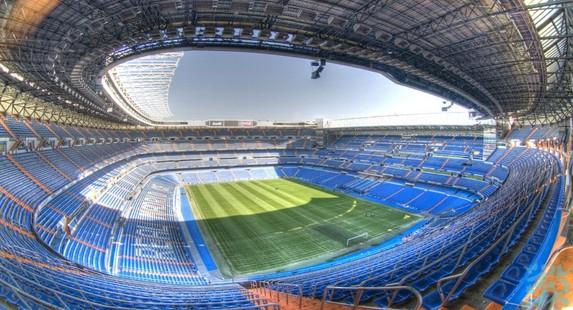 伯纳乌球场位于马德里繁华的金融区的中心球场主人皇家马德里队