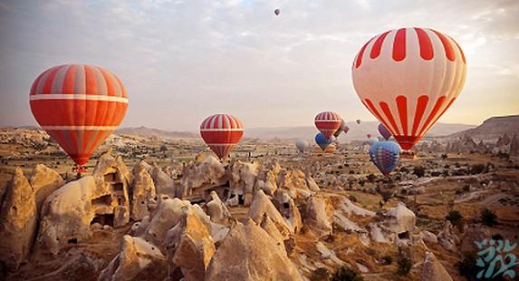 卡帕多奇亚土耳其热气球