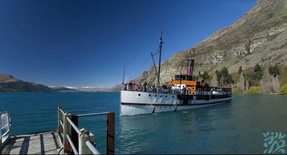 新西兰皇后镇华卡迪普湖蒸气船