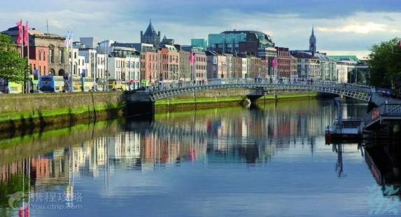 最有价值的十二世纪古堡爱丁古堡建在一死火山的花岗岩核心目前是皇家苏格兰军团总部